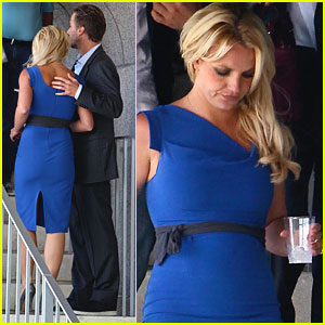 Britney Spears Catches Chris Pine's Play