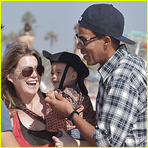Ellen Pompeo, Chris & Stella: Family Day at the Beach!
