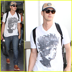 Hayden Christensen Shows His Love for Jimi Hendrix