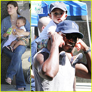 Idina Menzel & Taye Diggs: Walking with Walker!