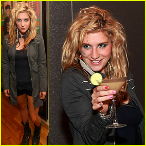 Ke$ha: Toast to the Windy City