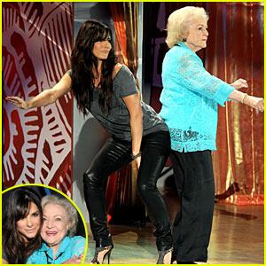 Sandra Bullock & Betty White: TCA Backside Buddies!