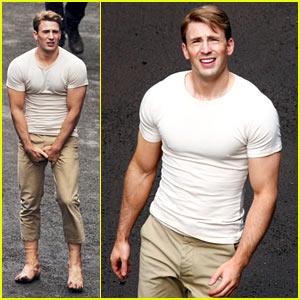 Chris Evans: Captain America Crotch Grab!