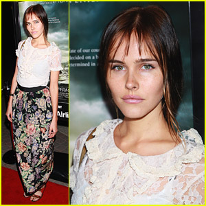 Isabel Lucas: Waiting For Superman