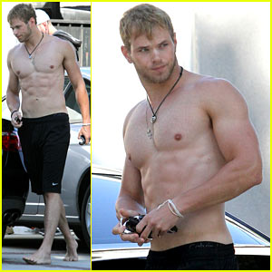 Kellan Lutz: Abs of Steel!