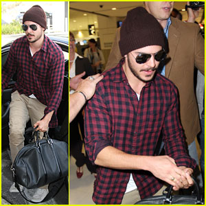 Zac Efron: Sydney Take-Off!