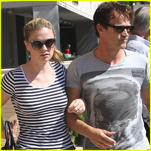 Anna Paquin & Stephen Moyer Shop Til They Drop