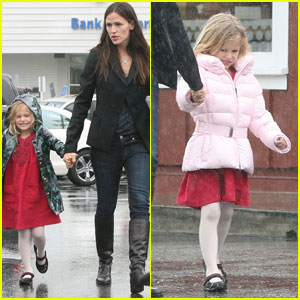 Jennifer Garner: Rainy Day With Violet