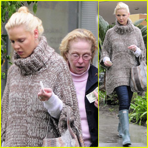 Katherine Heigl & Mom Nancy: Lunch at Louise's Trattoria