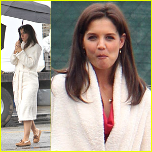 Katie Holmes Wears A Big Bathrobe