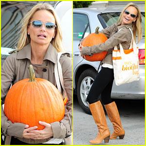 Kristin Chenoweth: Petite Pumpkin Picker