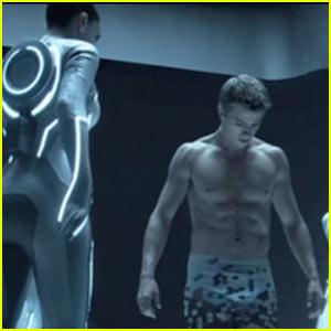 Garrett Hedlund: 'Tron: Legacy' Sneak Peek!
