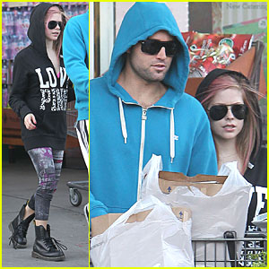 Avril Lavigne: Bristol Farms with Brody Jenner!