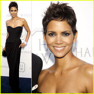 Halle Berry: Harry Winston Winning in Black