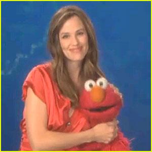 Jennifer Garner & Elmo: 'Sesame Street' Stretch!