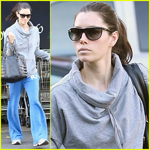 Jessica Biel: Whole Foods Shopper