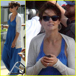 Katie Holmes: Strolling Around Allure of the Seas