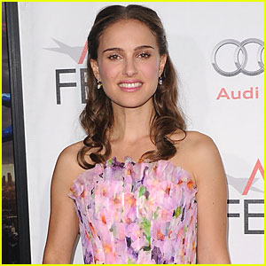 Natalie Portman Strips Down to Thong for 'Your Highness'