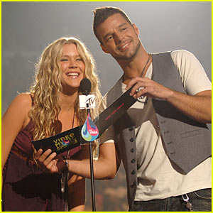 Ricky Martin: 'The Best Thing About Me Is You' Song Premiere with Joss Stone!