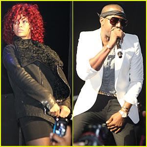 Rihanna 'Flies' Into Hammerstein Ballroom