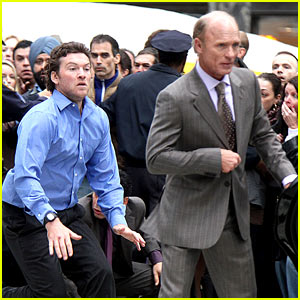 Sam Worthington Lunges at Ed Harris for 'Man on a Ledge'