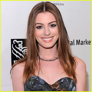 Anne Hathaway Surprises PS22!