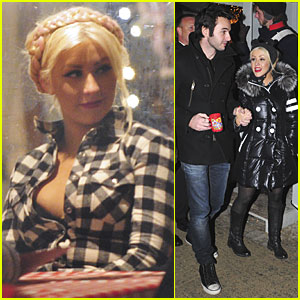 Christina Aguilera: Berlin Christmas Market with Matt Rutler!