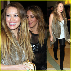 Hilary & Haylie Duff: 'Peach Plum Pear' Pair