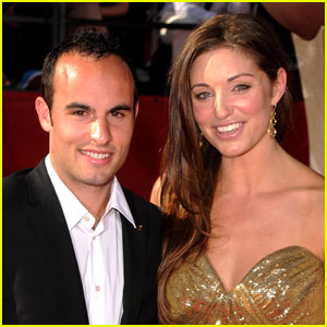 Landon Donovan Files For Divorce
