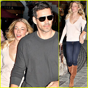 LeAnn Rimes &#038; Eddie Cibrian: Christmas with the Parents!