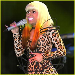 Nicki Minaj: Christmas Concert Pics!