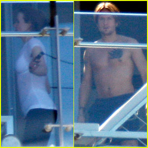Nicole Kidman & Keith Urban: Balcony Break with Sunday Rose!