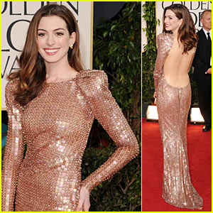 Anne Hathaway - Golden Globes 2011 Red Carpet
