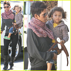 Halle Berry & Nahla Take The Cake