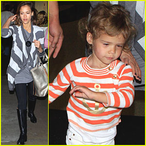 Jessica Alba & Honor Land at LAX