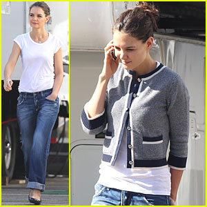 Katie Holmes: Cropped Cardigan for 'Jack and Jill'
