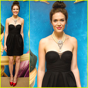 Mandy Moore: Topknot for 'Tangled' UK Premiere
