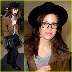 Mandy Moore: Food Poisoning Is the Worst!