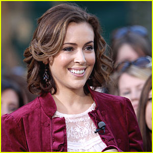 Alyssa Milano: Expecting a Baby!