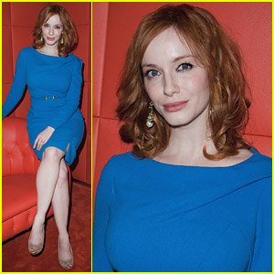 Christina Hendricks Looks Perfect In Paris
