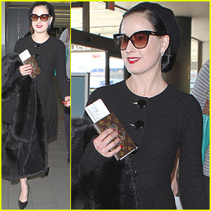 Dita Von Teese: Cat Eye Sunglasses at LAX!
