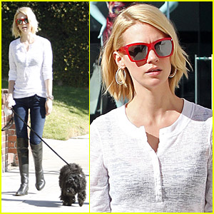 January Jones: Dog Walking And Shopping