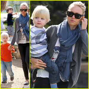 Naomi Watts: Park Playdate with the Boys!