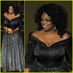 Oprah Winfrey - Oscars 2011 Presenter