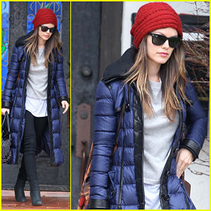 Rachel Bilson: Ready for Takeoff!