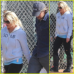 Britney Spears: Little League Game with Jason Trawick!