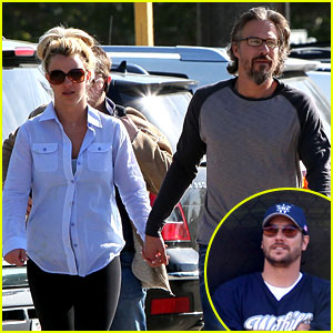 Britney Spears & Kevin Federline Reunite at Little League!