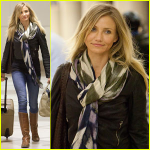 Cameron Diaz: Early Morning LAX Liftoff