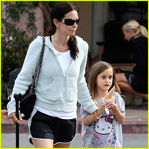 Courteney Cox: Ice Cream Treat with Coco!