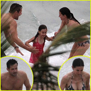 Courteney Cox & Josh Hopkins: Beach Couple!